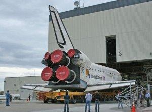 Prom Discovery przed OPF - przygotowania do misji STS-119 / Credits - NASA
