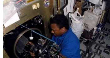 Eksperymenty na pokładzie STS-107, Credits: NASA