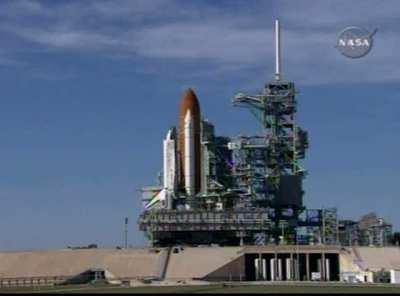 STS-119 dotarł do wyrzutni LC-39A, Credits: NASA TV