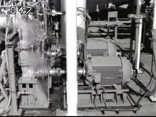 Pompy służące do tłoczenia ciekłego tlenu (LO2) do zbiornika zewnętrznego.