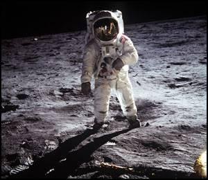 Astronauta Aldrin na powierzchni Księżyca / Credits - NASA