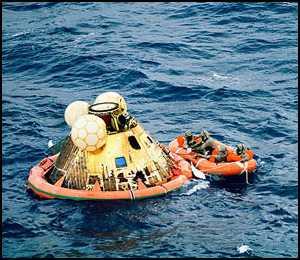 Bezpieczny powrót na Ziemię - koniec misji Apollo 11 / Credits - NASA