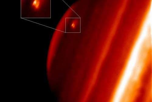 Miejsce impastu na obrazie z teleskopu Keck II. Cred Paul Kalas (UCB), Michael Fitzgerald (LLNL/UCLA), Franck Marchis (SETI Institute/UCB), James Graham (UCB)
