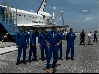 Krótka konferencja po lądowaniu, Credits: NASA TV