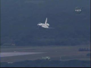 Lądowanie promu Endeavour / Credits - NASA TV