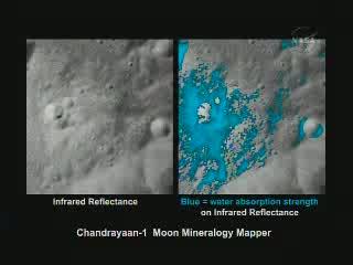 Lokalny  rozkład wody (kolor niebieski), powstały po uderzeniu małego  meteorytu/komety w Księżyc, co miało miejsce w okresie ostatnich 100 mln  lat / Credits - NASA TV