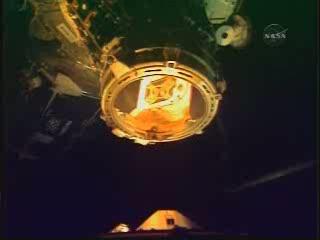 Chwilę po odłączeniu / Credits - NASA TV