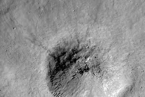 Nienazwany krater - Credits NASA