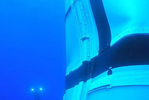 Podwodne zdjęcie pierszego stopnia w okolicy Aft Booster i Afte Center, credits: NASA