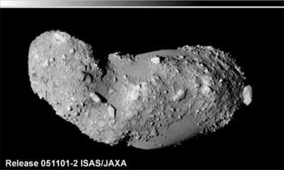 Planetoida  Itokawa - cel misji Hayabusa. Podobna planetoida do tej jest jednym z  postulowanych celów w ramach Flexible Path / Credits - JAXA