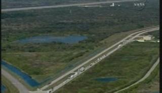 Godzina 14:59 CET - konwój w drodze na pas lądowy / Credits - NASA TV