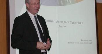 Thomas Reiter podczas prezentacji w Centrum Badań Kosmicznych credits: CBK (kopiowanie zdjęcia zabronione)