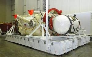 MRM-1 przed wysyłką na Florydę, po prawej widoczna śluza dla MLM / Credits: Energia