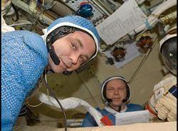 Maksym Surajew i Oleg Kotow na pokładzie ISS / Credits - NASA, RSA