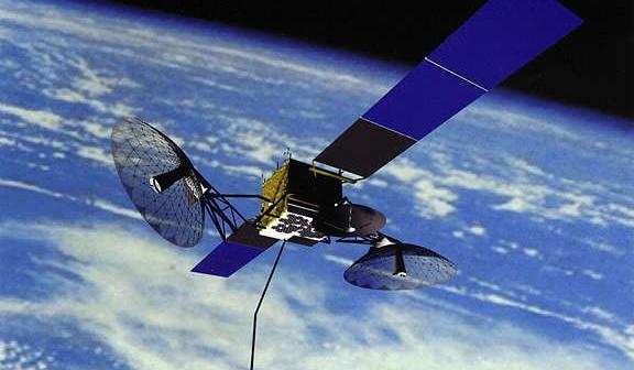 Wizualizacja satelity TDRS serii K-L na orbicie, (c) Boeing