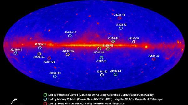 Lista zidentyfikowanych pulsarów milisekundowych naniesiona na mapę uzyskaną przez satelitę Fermi, credits: NASA/DOE/Fermi LAT Collaboration