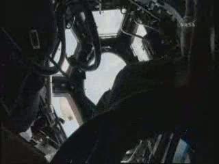 Cupola w całości otwarta po raz pierwszy / Credits - NASA TV