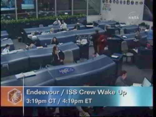 Centrum kontroli budzi astronautów, credits: NASA TV