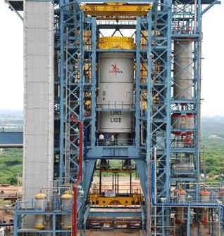 Jednostka napędowa L110 na platformie testowej, credits: ISRO