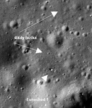 Łunochod 1 widoczny na powierzchni Księżyca w miejscu zakończenia misji (NASA/GSFC/Arizona State University)