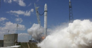 Udany test silników rakiety Falcon-9 na wyrzutni LC-40, credit: Chris Thompson/SpaceX