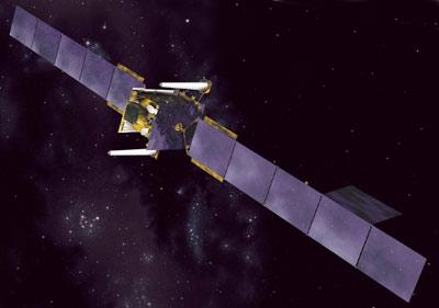 Wizja artystyczna satelity Skynet-5A na orbicie okołoziemskiej, credit: Astrium