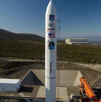 Minotaur IV na wyrzutni credit: Orbital Sciences Corporation