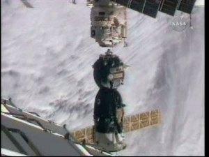 Odłączenie Sojuza TMA-16 od ISS / Credits - NASA TV