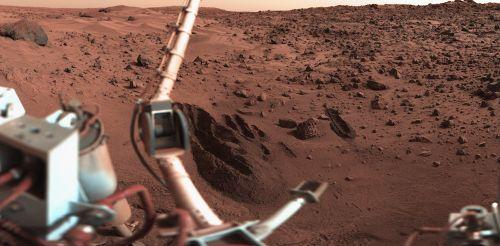Widok na miejsce lądowania Vikinga-1. Lądownik osiadł na terenie zwanym Chryse Planitia. Credits: NASA/JPL/Roel van der Hoorn