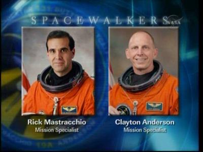 'Spacerowicze' pierwszego spaceru misji STS-131 NASA TV)