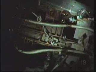 Stanowisko pracy z podłączeniami / Credits - NASA TV