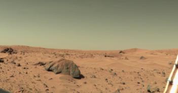 Zdjęcie powierzchni Marsa wykonane przez próbnik Viking 1, skała Big Joe na drugim planie po lewej ma około 2 metrów, 17 lutego 1978, sol 556., Credits: NASA - domena publiczna