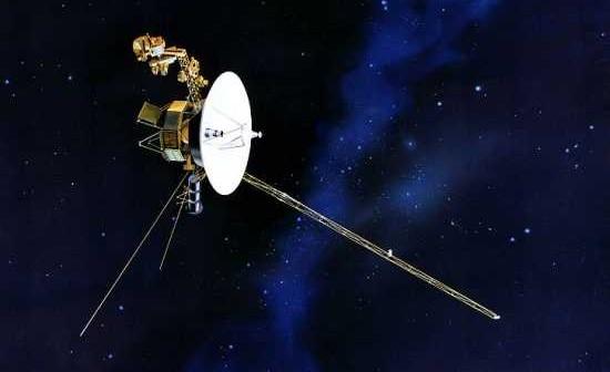 Wizja artystyczna sondy Voyager, (c) NASA