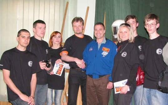 Dowódca misji STS-130 - George Zamka wraz z ekipą ZSMA, credit: ZSMA