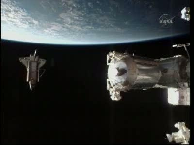 Wahadłowiec Atlantis odcumowuje od ISS, na Ziemię powróci w środę / Credits: NasaTv