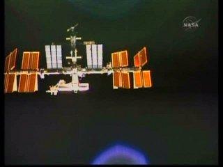 Atlantis i ISS widzą się wzajemnie / Credtis: NASA TV & Ronsmytheiii