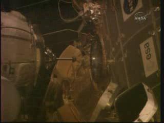 Próbnik dokujący MRM-1 / Credits - NASA TV