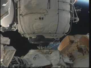 MRM-1 zadokowany do Zarji / Credits - NASA TV