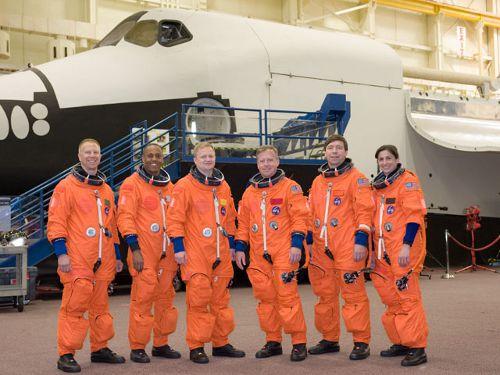Zdjęcie załogi misji STS-133 (NASA)