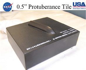 Modyfikacja jednej z płytek osłony termicznej w ramach eksperymentu Boundary Layer Transition (BLT) Detailed Test Objective (DTO) (NASA/nasaspaceflight)
