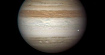 Moment uderzenia obiektu w Jowisza / Credits - Anthony Wesley