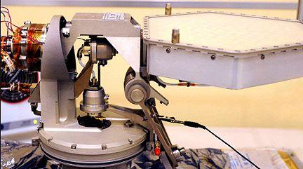 Antena High Gain Antenna System dla łazika MSL (Astrium Spain/CDTII/JPL)