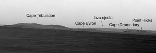 Fragment panoramy krawędzi krateru Endeavour z naniesionymi nowymi nazwami (NASA/JPL)