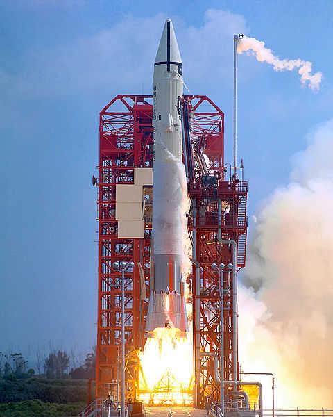 Rakieta Atlas-Centaur wynosząca Surveyora 1 (NASA/GRIN/GPN-2000-000617)