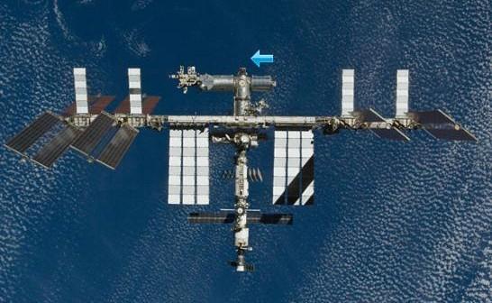 Wygląd ISS po misji STS-132. Strzałką zaznaczono proponowane miejsce instalacji Node 4 / Credits - NASA