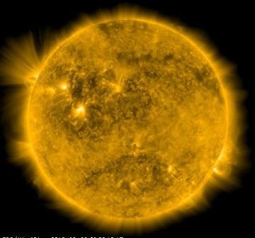 Wygląd Słońca w dniu 28 sierpnia 2010 roku tuż przed godziną 12:00 CEST / Credits - NASA, SDO