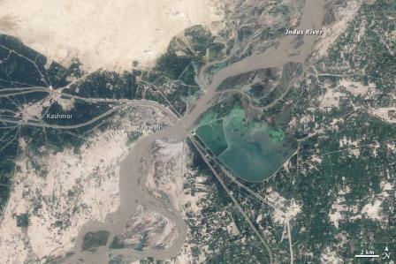 Khewali przed drugą falą powodziową, 9 sierpnia 2010 / Credtis: NASA, Landsat 5