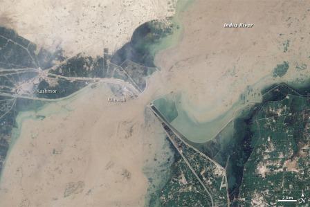 Khewali zalane przez drugą falę powodziową, 12 sierpnia 2010 / Credtis: NASA, Landsat 5