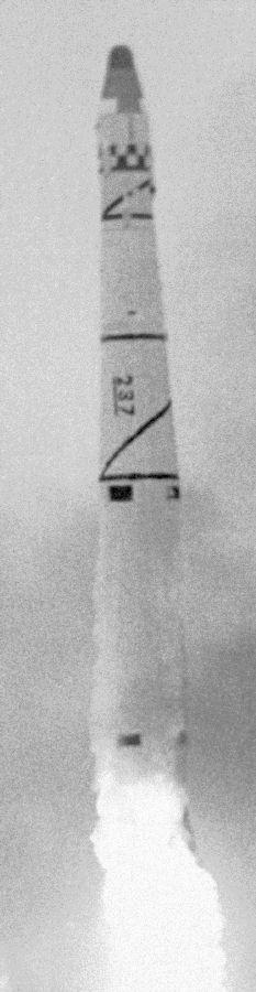 Moment startu rakiety Thor Agena A z satelitą Discoverer 14, 18 sierpnia 1960 / WikiCommons