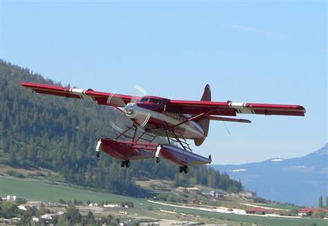 DeHavilland DHC-3T z numerem bocznym N455A, zdjęcie wykonano w 2005 roku (John Olafson/AP file)